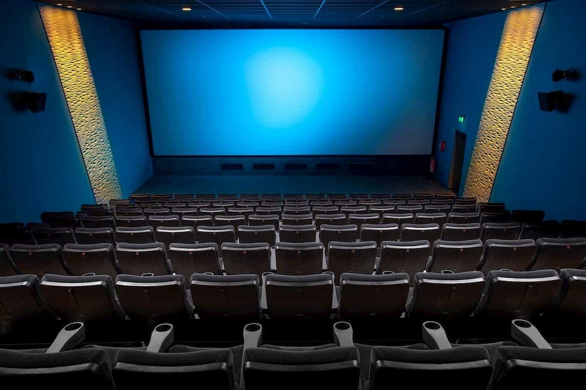 劇場のスクリーン